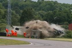 Bradley Ellis crashes heavily
