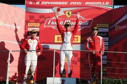 Подиум APAC Shell: первое место #525 Rosso Scuderia Ferrari 458 KK Тадаказу Коджима
