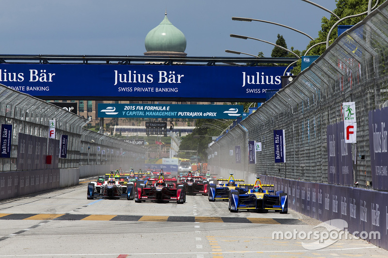 Start: Sébastien Buemi, Renault e.Dams aan de leiding