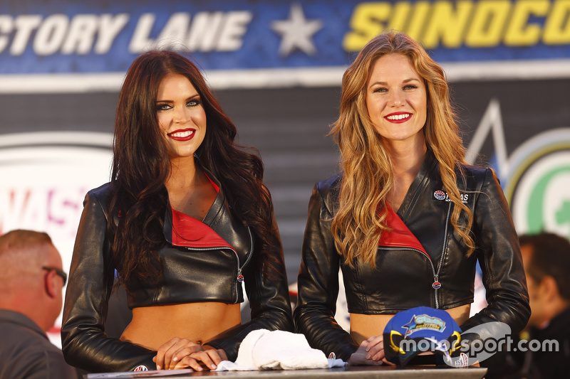Grid girls na NASCAR Xfinity