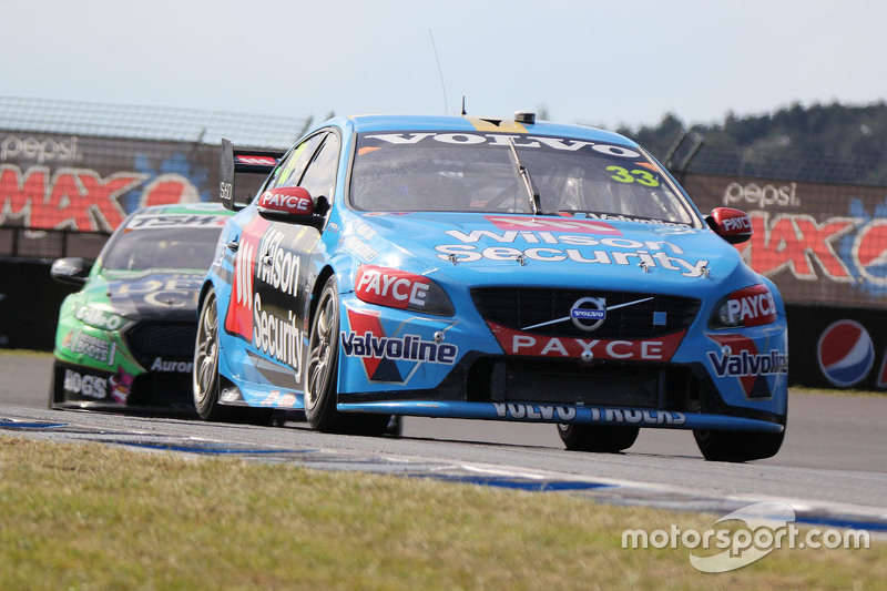 Scott McLaughlin, Garry Rogers Motorsport