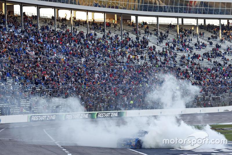 Race winner Jimmie Johnson, Hendrick Motorsports Chevrolet