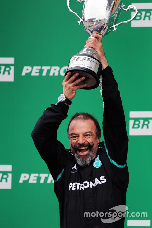 Jimmy Waddell, Mercedes AMG F1 Composite Inspector viert op het podium