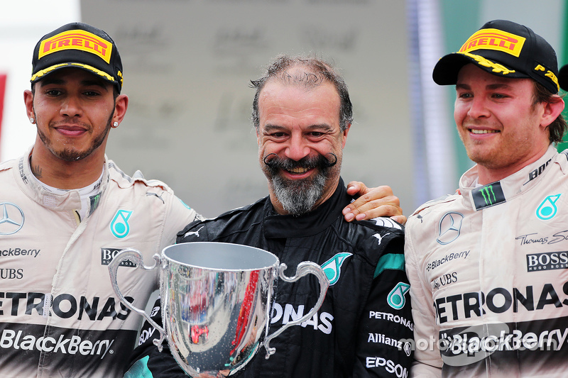 Podium: second place Lewis Hamilton, Mercedes AMG F1 with James Waddell and race winner Nico Rosberg, Mercedes AMG F2