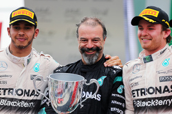 Podium: second place Lewis Hamilton, Mercedes AMG F1 with James Waddell and race winner Nico Rosberg, Mercedes AMG F1