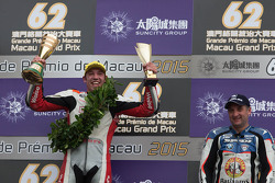 Podium: 1. Peter Hickman, 3. Michael Rutter