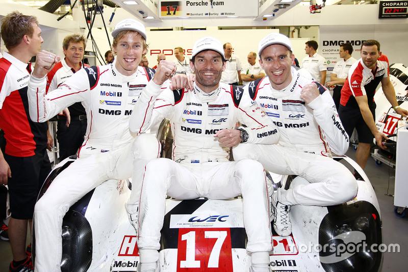 WEC-Weltmeister 2015: Mark Webber, Brendon Hartley, Timo Bernhard, Porsche Team
