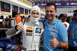 Vutthikorn Inthraphuvasak, Est Cola Racing Team з Sven Schnabl