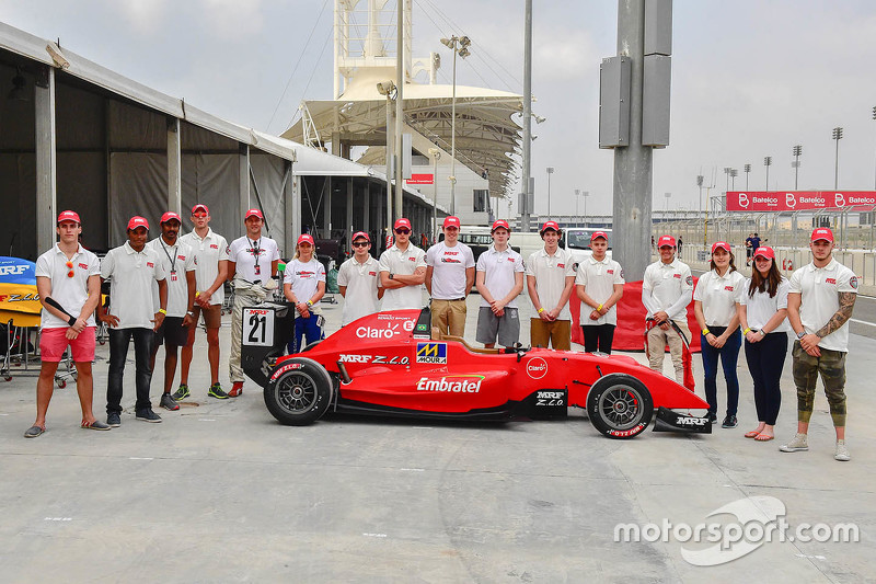 MRF challenge driver group photo