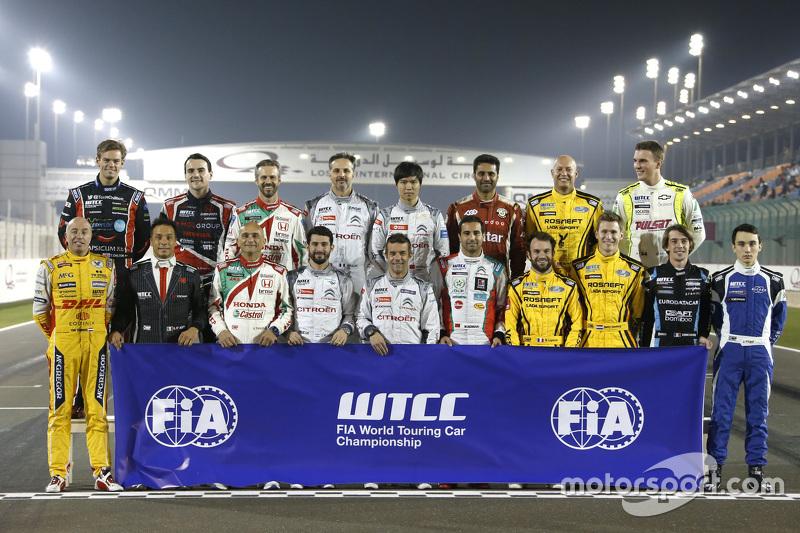 Gruppenfoto der WTCC-Fahrer