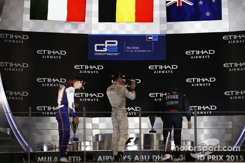 Podium 1. Rennen: 2. Raffaele Marciello, Trident; 1. Stoffel Vandoorne, ART Grand Prix; 3. Mitch Evans, RUSSIAN TIME
