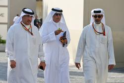 Sjeik Mohammed bin Essa Al Khalifa, CEO Bahrain Economic Development Board met Zayed Rashed Al Zayani, voorzitter Bharain International Circuit