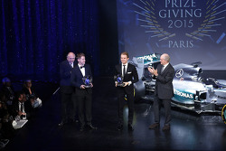 Sebastian Vettel, Scuderia Ferrari with Nico Rosberg, Mercedes AMG F1