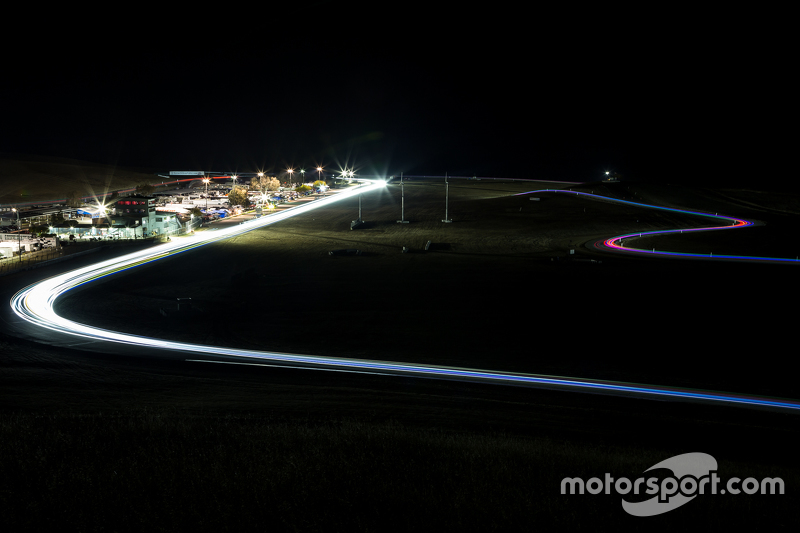 3. Night race action at Thunderhill