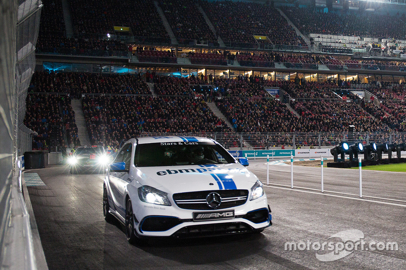 Mercedes Stars and Cars actio
