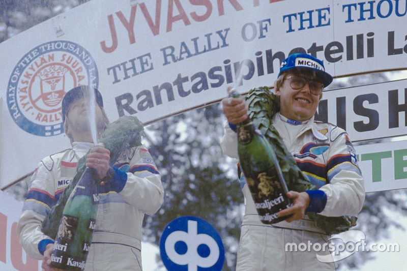 Winners Timo Salonen and Seppo Harjanne, Peugeot 205 T16