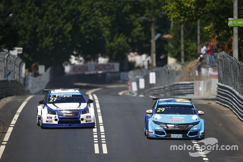 Нестор Гіроламі, Honda Civic WTCC, Nika International та Джон Філіппі, Chevrolet RML Cruze TC1, Campos Racing