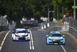 Нестор Джиролами, Honda Civic WTCC, Nika International и Джон Филиппи, Chevrolet RML Cruze TC1, Campos Racing