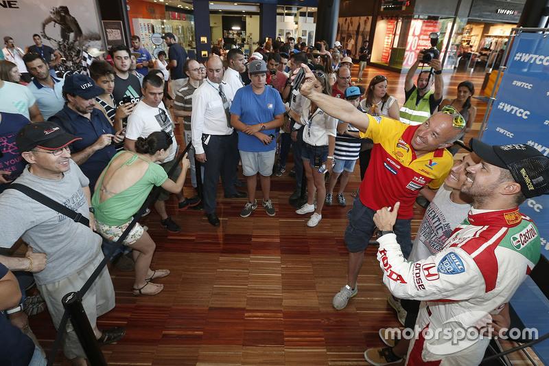 Tom Coronel, ROAL Motorsport dan Tiago Monteiro, Honda Racing Team JAS