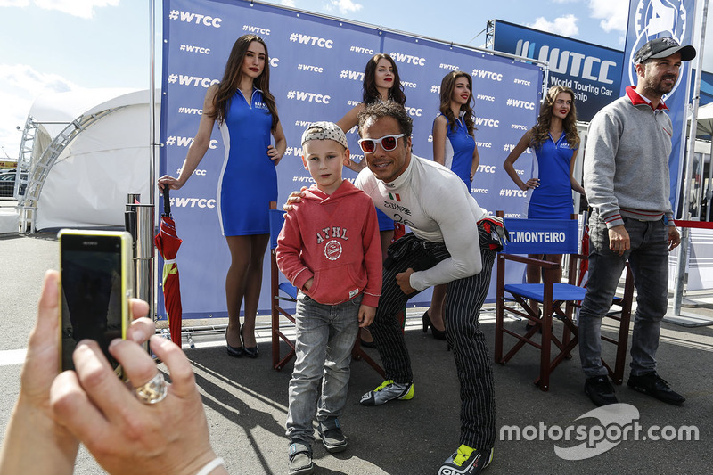Tiago Monteiro, Honda Civic WTCC, Honda Racing Team JAS dan Stefano D'Aste, Chevrolet RML Cruze TC1, ALL-INKL.COM Münnich Motorsport