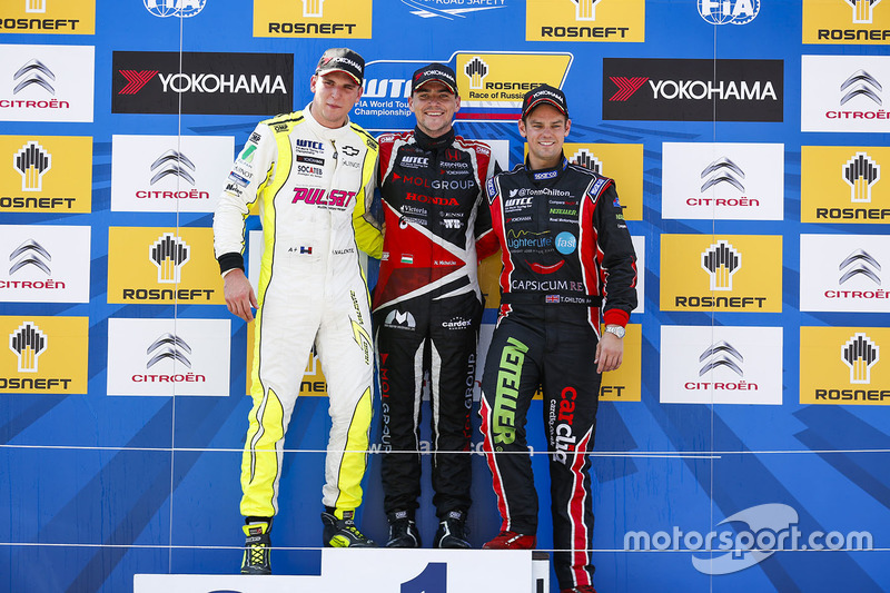 Podium: Norbert Michelisz, Honda Civic WTCC, Zengo Motorsport, Hugo Valente, Chevrolet RML Cruze TC1, Campos Racing and Tom Chilton, Chevrolet RML Cruze TC1, ROAL Motorsport