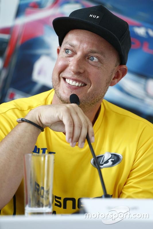 Persconferentie: Rob Huff, Lada Vesta WTCC, Lada Sport Rosneft