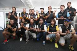 Pilotların grup fotoğrafı