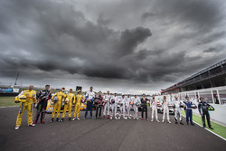 Gruppenfoto der Fahrer