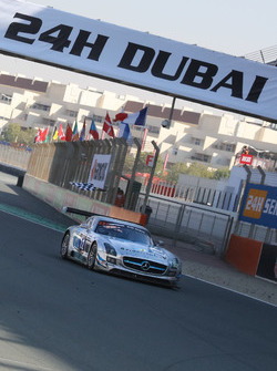 #22 Preci - Spark Mercedes SLS AMG GT3: David Jones, Godfrey Jones, Morgan Jones, Philip Jones, Gareth Jones