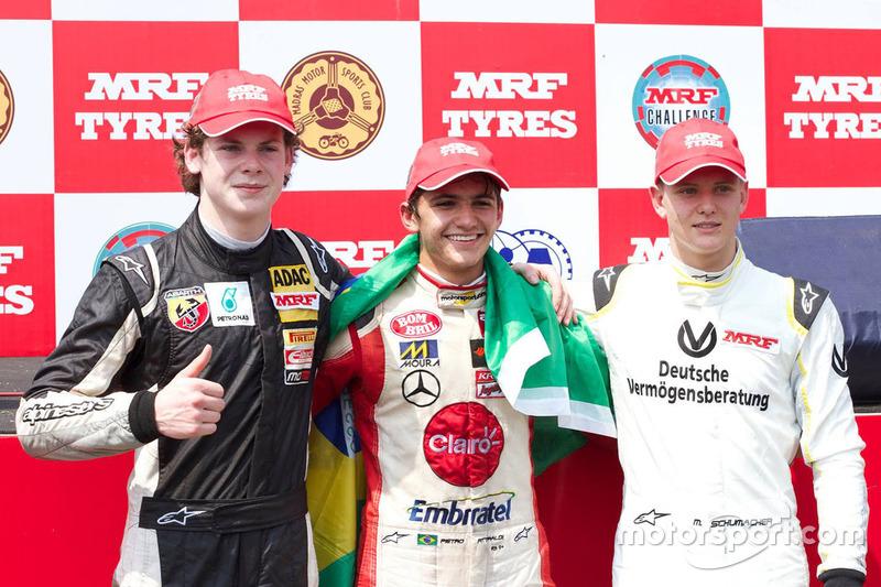 Pietro Fittipaldi, Harrison Newey e Mick Schumacher no pódio de prova na Índia