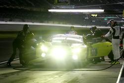 Arrêt aux stands pour la #11 O'Gara Motorsport Lamborghini Huracan GT3 : Townsend Bell, Bill Sweedler, Edoardo Piscopo, Richard Antinucci