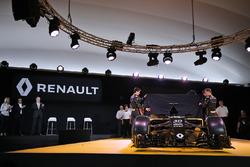 Jolyon Palmer, Renault F1 Team, Esteban Ocon, Renault Sport F1 Team piloto de pruebas y Kevin Magnussen, Renault F1 Team
