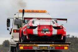 Beschädigter #49 Vicious Rumour Racing Ferrari 458 Italia GT3: Tony Defelice, Andrea Montermini, Benny Simonsen, Renato Loberto