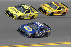 Chase Elliott, Hendrick Motorsports Chevrolet, Matt Kenseth, Joe Gibbs Racing Toyota, Kyle Busch, Joe Gibbs Racing Toyota