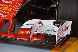 Переднее антикрыло Ferrari
