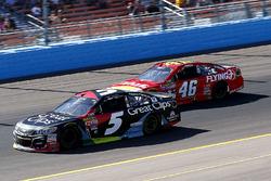 Kasey Kahne, Hendrick Motorsports Chevrolet und Michael Annett, HScott Motorsports Chevrolet