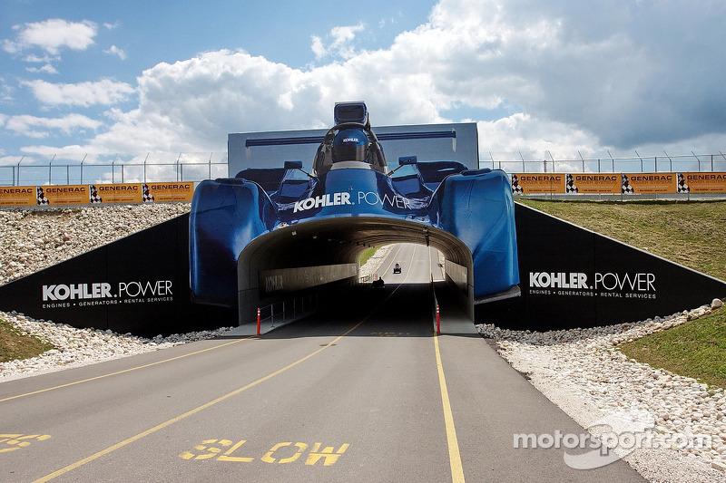 Track tunnel