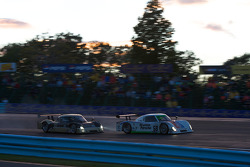 #59 Brumos Racing Porsche Riley: Joao Barbosa, JC France, #61 AIM Autosport Ford Riley: Brian Frisselle, Mark Wilkins
