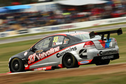 Lee Holdsworth (Garry Rogers Motorsport Commodore VE)