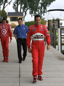 IndyCar Series 2008 contenders photoshoot: Helio Castroneves and Scott Dixon arrive