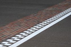 The famous Yard of Bricks start-finish line