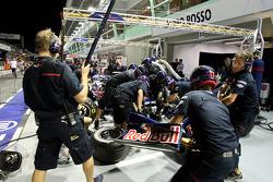 A Scuderia Toro Rosso pit stop practice