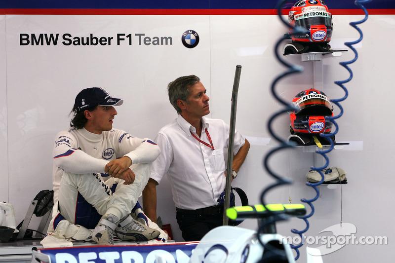 Robert Kubica, BMW Sauber F1 Team, mit seinem Manager Daniele Morelli