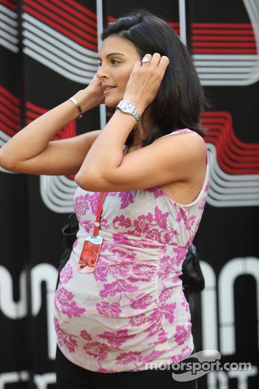 Karen Minier, Fiancée of David Coulthard
