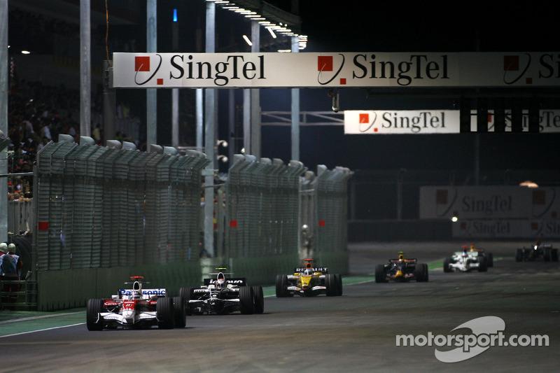 Jarno Trulli, Toyota F1 Team; Kazuki Nakajima, Williams F1 Team; Fernando Alonso, Renault F1 Team
