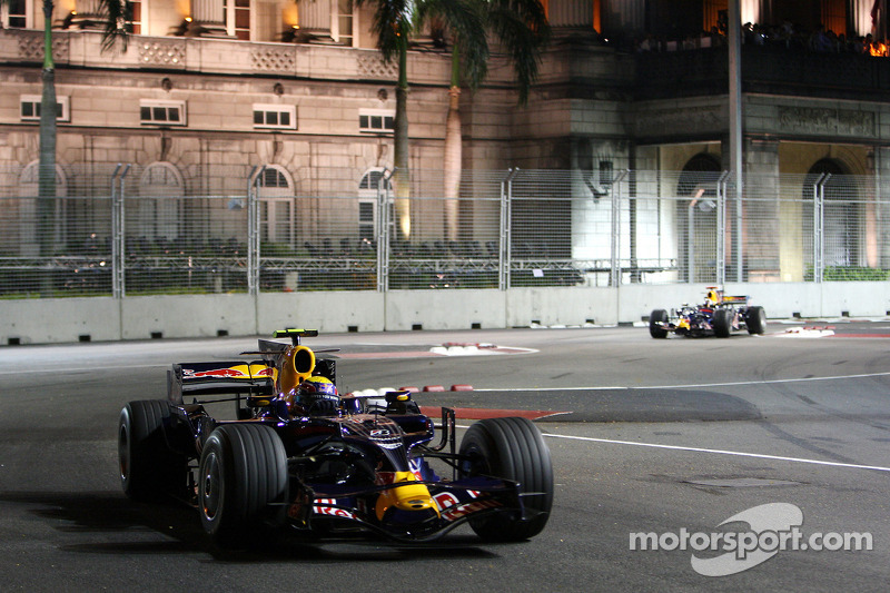 Mark Webber, Red Bull Racing, RB4; David Coulthard, Red Bull Racing, RB4