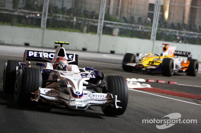 Robert Kubica, BMW Sauber F1 Team, F1.08; Fernando Alonso, Renault F1 Team, R28