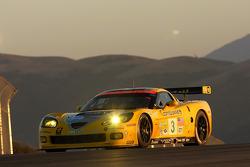 #3 Corvette Racing Chevrolet Corvette C6R: Johnny O'Connell, Jan Magnussen