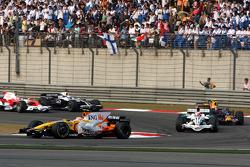 Nelson A. Piquet, Renault F1 Team, R28 leads Rubens Barrichello, Honda Racing F1 Team, RA108