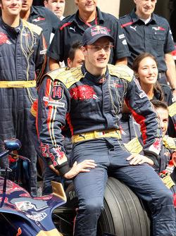 Scuderia Toro Rosso team shot, Sébastien Bourdais